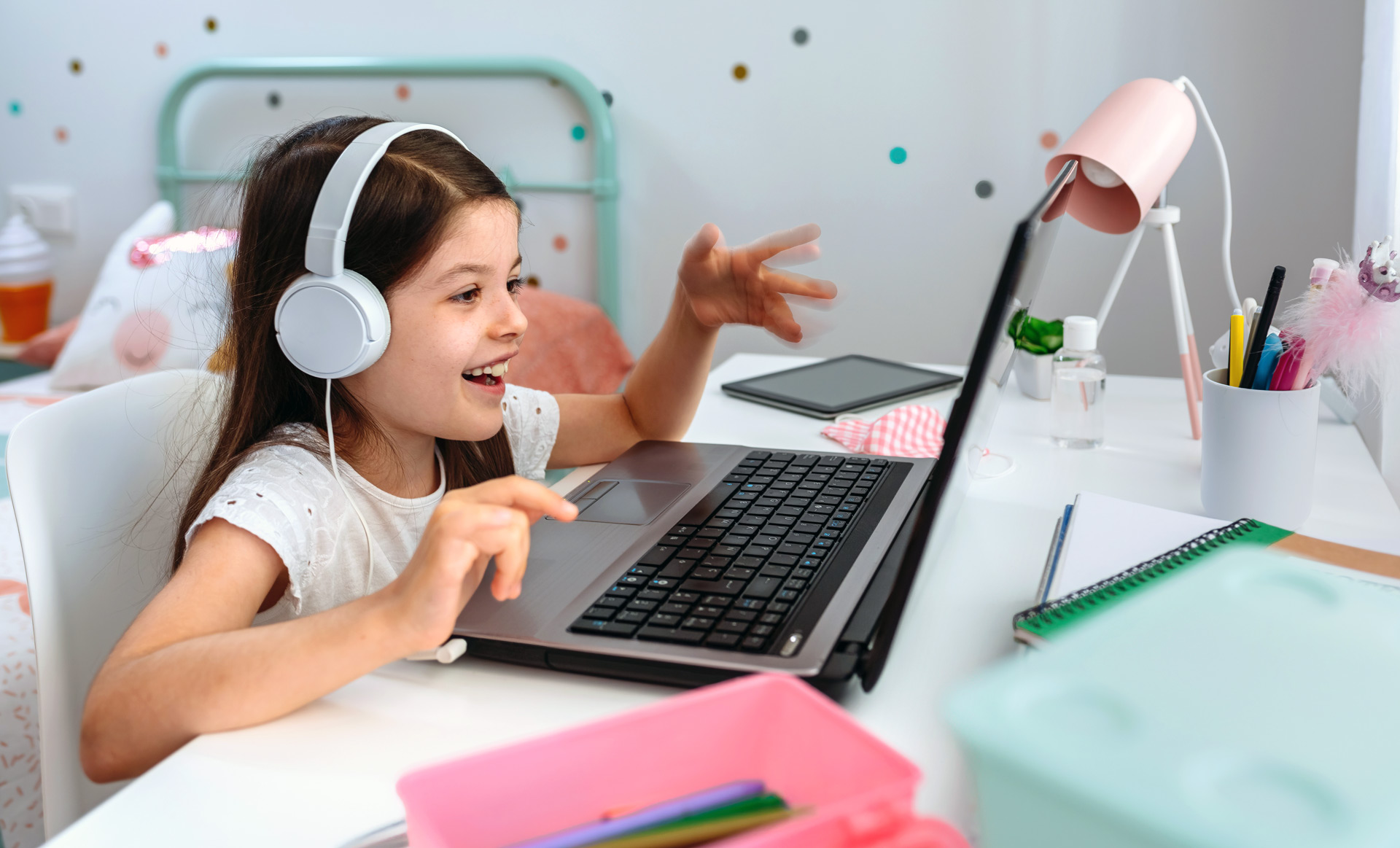 Enseñanza de español a niños en línea 15 h.